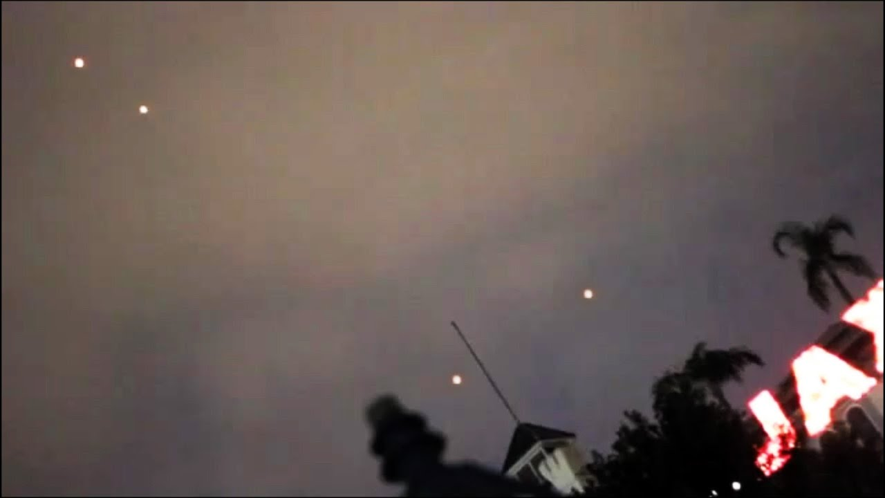 Incredible UFO Sightings Over New Orleans October 2013 Special Report Watch Now =) - Smashpipe Science