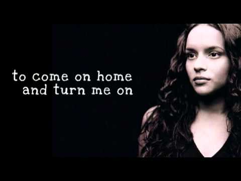 Turn Me On - Norah Jones (Lyrics)