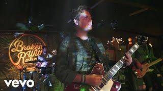 Broken Witt Rebels - Guns (Live)