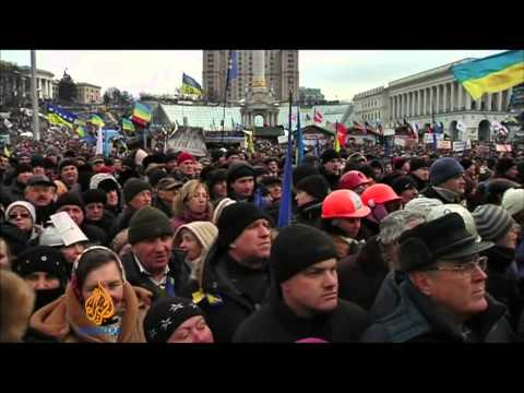 Ukraine riot police clash with protesters