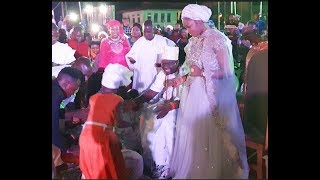 Watch 8Yr Old Girl Amazing Performance As She Sings For Ooni Of Ife & His Wife That Got Them Dancing