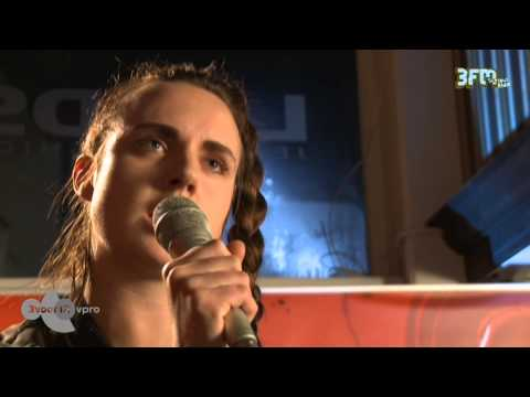 Mø - 'Never Wanna Know' live @ 3voor12 Radio Eurosonic 2014