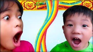 Bạn cùng xóm - Trò chơi ăn kẹo cầu vồng chupa chups ❤ ABC ❤