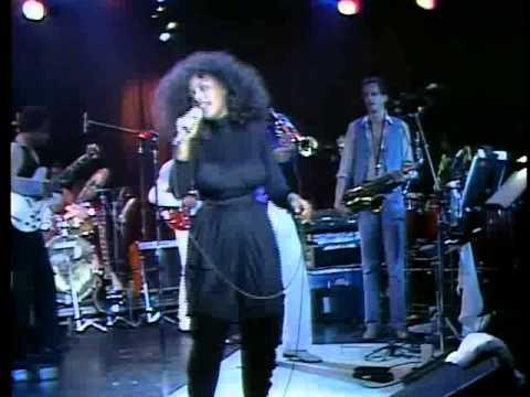 CHAKA KHAN - I'm Every Woman (Live 1981)