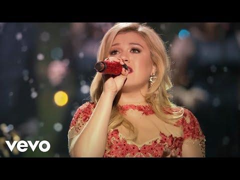 Baixar Kelly Clarkson - Underneath the Tree