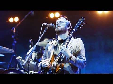 Baixar Kings of Leon - Use Somebody at Children In Need Rocks 2013