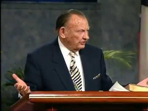 Лестър Съмрал разказва своите спомени от срещите си с пионерите на вярата