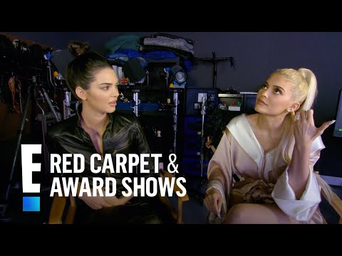 Kendall & Kylie Jenner Play 'Either Or' With Their Family | E! Red Carpet & Award Shows