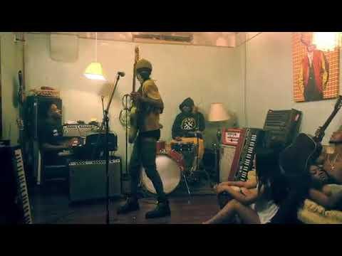 Rae Sremmurd ft. Gucci Mane - Black Beatles Official Music Video