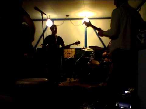 Baixar SOJA - Born in Babylon(cover) LaDive-with Renaud.MOV