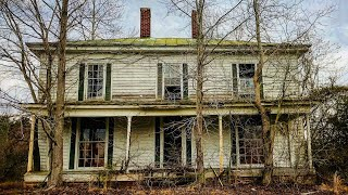 1840s Abandoned Plantation HOUSE w/ Incredible Windows & A Few Interesting Finds
