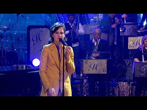 Christine & The Queens with Jools & His Rhythm & Blues Orchestra - Sign Your Name