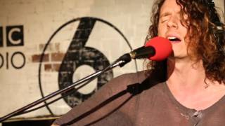 Mystery Jets perform Bubblegum in the 6 Music Live Room.