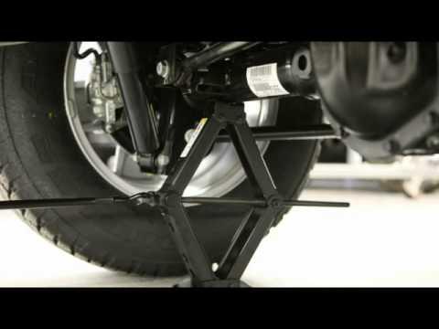 2012 Jeep Wrangler Jacking And Tire Change Youtube