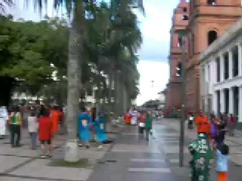 videos en la plaza de santa cruz carnaval 2009 santa cruz,bolivia 013