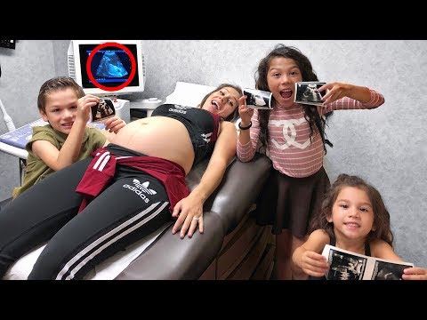 KIDS SEE BABY FOR THE FIRST TIME!! | Familia Diamond