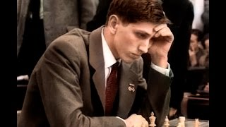 Fischer crushes his opponent in only 8 moves using king's gambit!!!