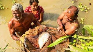 Catching Big Vetki Fish and Cooking - Fish Curry Recipe Village Style - Bengali Machher Jhol