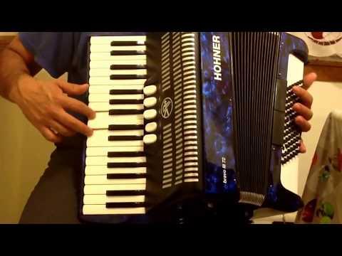 La Del Moño Colorado acordeon de teclas: en LA MAY