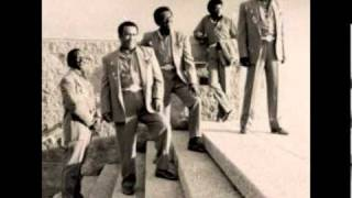 The Spinners - Love Don't Love Nobody (It Takes A Fool)