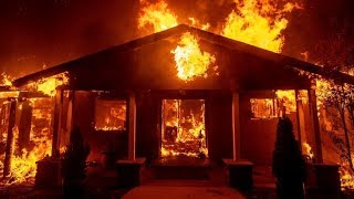 Thousands fleeing fast-moving California wildfires