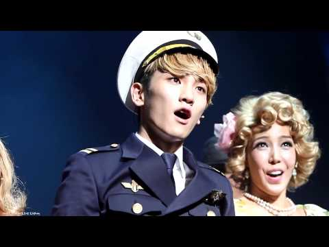 [Fancam] Key dancing to Twinkle + curtain call @ 120501 CMIYC Musical