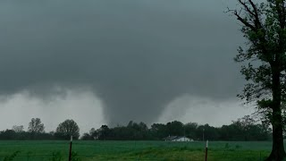 Close encounter with a Tornado in Wheaton, MO!