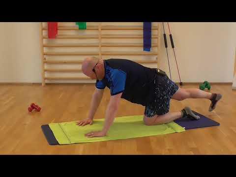 Kraft, Mobilität, Dehnung am Boden mit Peter
