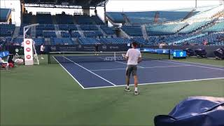 Federer and Dimitrov practicing in Cinci