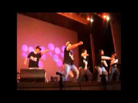 Yonghwa dancing to Big Bang's LALALA