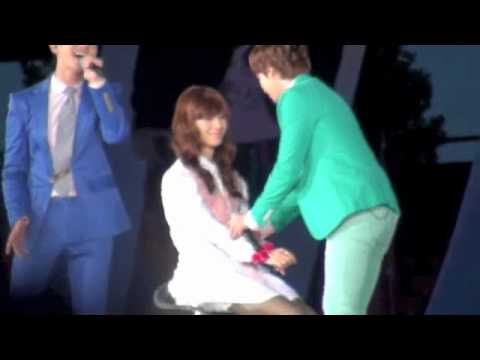 120818 SMT Just the way you are 【kyuhyun fancam】