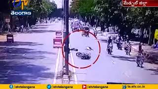Hyderabad: Accident caught in CCTV camera..