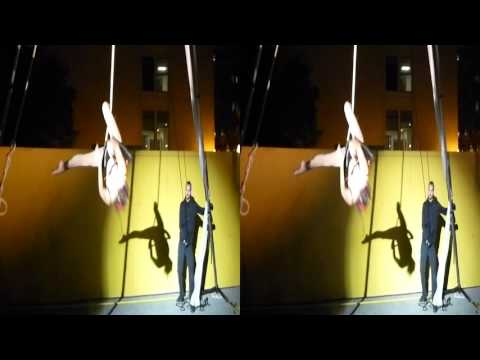 Trapeze Swing Performance @Yerba Buena Night 2015 (YT3D:Enable=True)