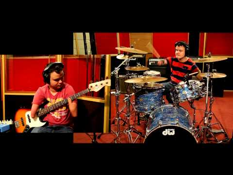 Baixar Dani California - Red Hot Chili Peppers Drum and Bass Guitar cover.