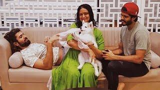 Viral Pics: Arjun Reddy fame Vijay Devarakonda family mome..