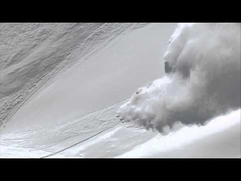 Скијање на лавина снег