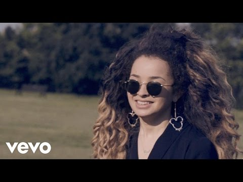 Ella Eyre - Becoming a Band - (VEVO LIFT UK)