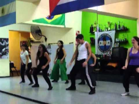 Baixar Cia Movimiento y ritmo - Toda Gostosa Mc Leozinho Gatinhos do Axé 2013