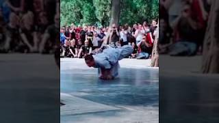 #AmazingChina: Chinese monk stuns the crowd with fast and powerful martial arts.