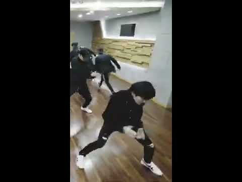 THE BOYZ(더보이즈) 'Special performance (MMA + AAA)' DANCE PRACTICE VIDEO HWALL FOCUS