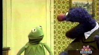 Classic Sesame Street - Grover Sells Toothbrushes