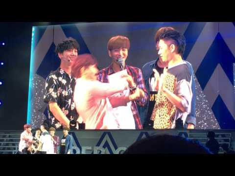 Super Junior – SUPER CAMP IN MONTERREY - HEECHUL AND RYEOWOOK PLAYING