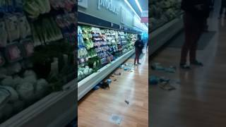 Two bitch fighting in Winn Dixie
