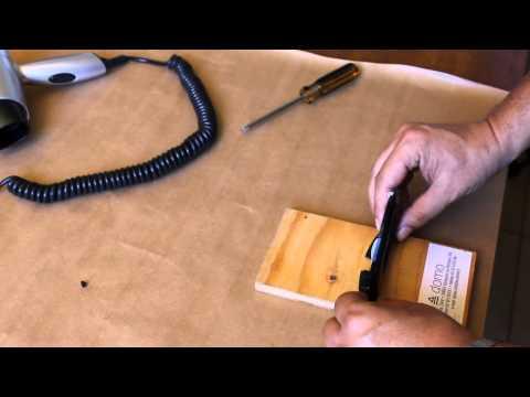 Istruzioni di montaggio della staffa dell'asciugacapelli Aliseo Phoenix E