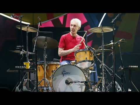 Charlie Watts, le batteur des Rolling Stones, est mort à 80 ans • FRANCE 24