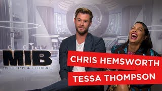 Chris Hemsworth and Tessa Thompson impersonate each other and play with aliens