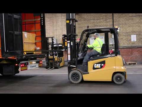 Sikkerhedsspejle på lager og produktion øger sikkerheden hos Glud & Marstrand