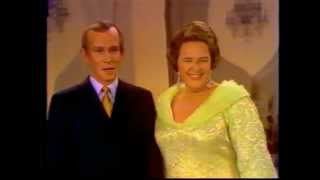 Kate Smith: Cinderella Rockefella  (with Tommy Smothers)