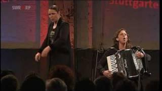 Knuth und Tucek: Schweizer Demokraten in der Oper