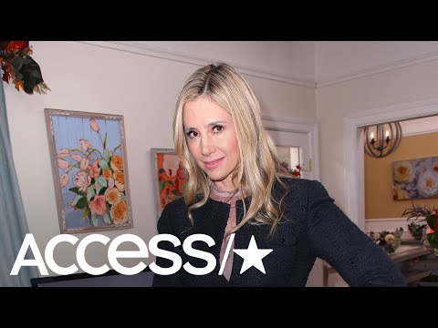 Mira Sorvino Pens Apology To Dylan Farrow, Vows To Never Work With Woody Allen Again
